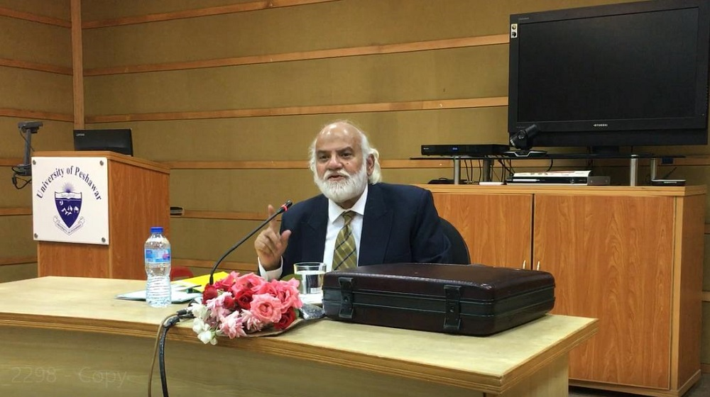 Ex-chief secretary  Khyber Pakhtunkhwa Syed Abdullah is giving a guest talk at the  video conference Hall to the faculty members of  the University of Peshawar on April 30, 2019.